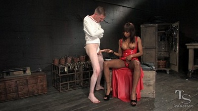 dominatrix black shemales